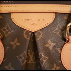 Louis Vuitton Bags - Palermo Pm Comes with Dust bag smoke free home